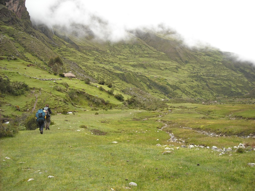 trekking peru, ollantaytambo trekking tours, ollantaytambo, machu picchu, inca trail, kb tours, silque, ancashcocha, paucartambo