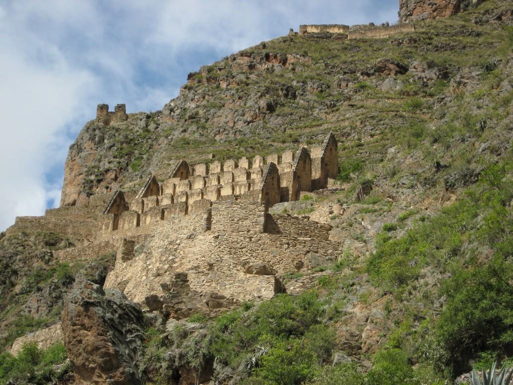 Los graneros,Ollanta, Ollantaytambo, information Ollantaytambo, KB, KB Tambo, KB peru, information, Peru, Machu Picchu, Ollantaytambo fortress
