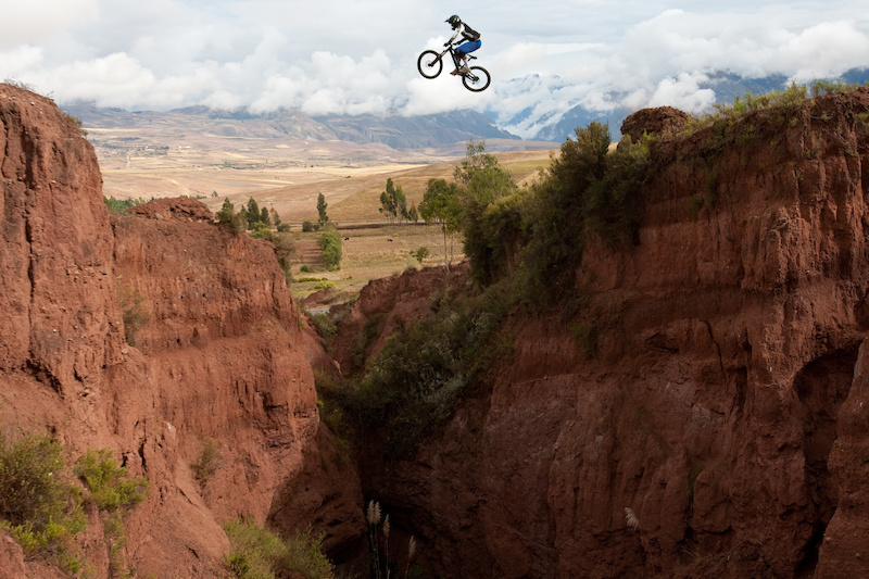 mountain biking, downhill, DH, Cusco, DH Peru, downhill peru, mountain bike peru, KB Tours, Machu Piicchu,Ollantaytambo