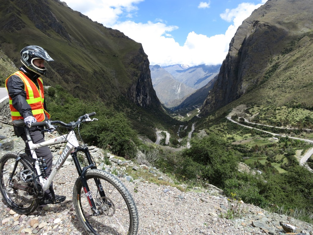 abra malaga, mountain bike peru, mountain bike cusco, inca avalanche, inca downhill, KB tambo, kbperu, kb tours, kb, mega avalanche, mega, race