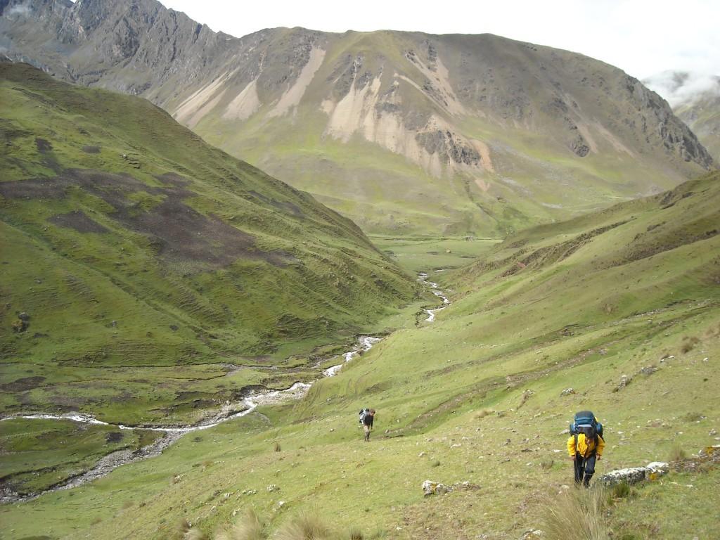 trekking peru, ollantaytambo trekking tours, ollantaytambo, machu picchu, inca trail, kb tours